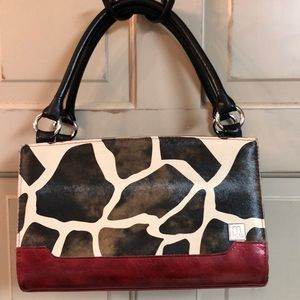 Moche Hand Bag with Magnetic Cover